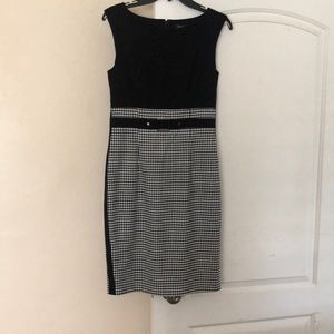 Sleeveless black and white dress